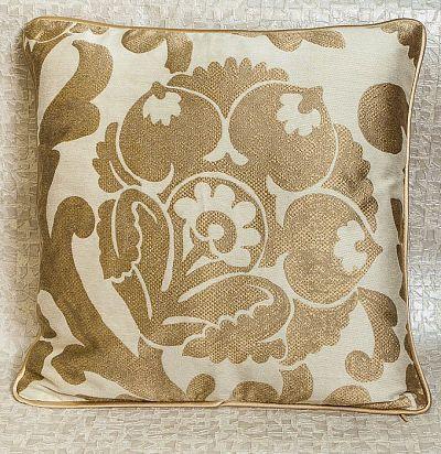 подушка декоративная из шелка Duban ZimmerRohde