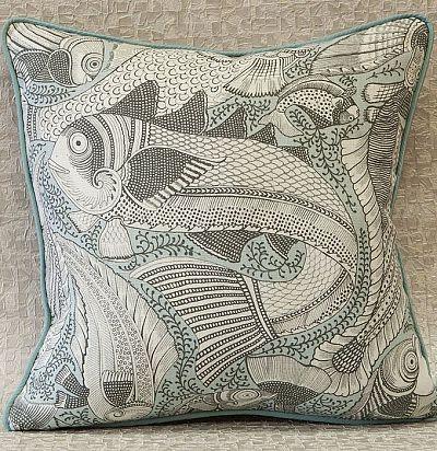 декоративная подушка из льна с принтом рыбы Salaria ZimmerRohde
