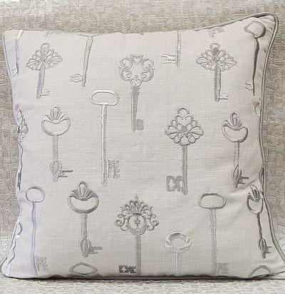 подушка декаративная с вышивкой ключи Gwyneth Silver Voyage Decoration