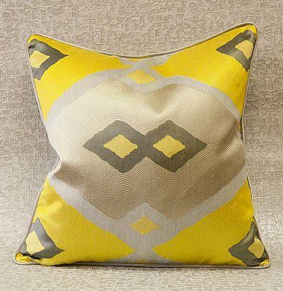 декоративная подушка  из хлопкас вышивкой Saron ZimmerRohde