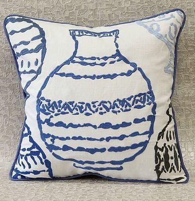 декоративная подушка из хлопка с вышивкой Vasi ZimmerRohde