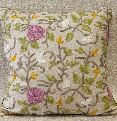 декоративная подушка из шерсти с вышивкой Rhoswen Beetroot Voyage Decoration