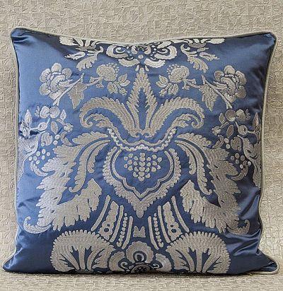подушка декоративная с вышивкой дамаск Versailles Nobilis