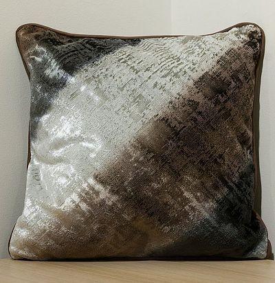 декоративная подушка в полоску F1777/3 Designers Guild